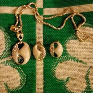 Arilyn Necklace and Earrings